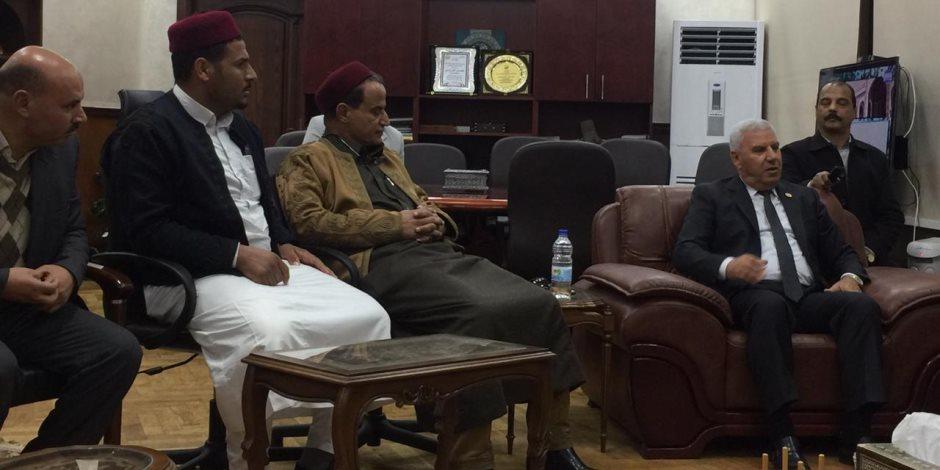 تثمين أراضى وضع اليد.. برلمانيون يطالبون محافظ مرسي مطروح بالرفق بالمزارعين