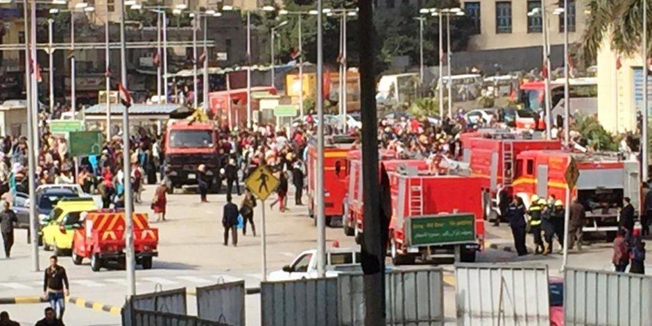 الدفع بـ 10 سيارات إطفاء ﻹخماد حريق قطار داخل محطة رمسيس