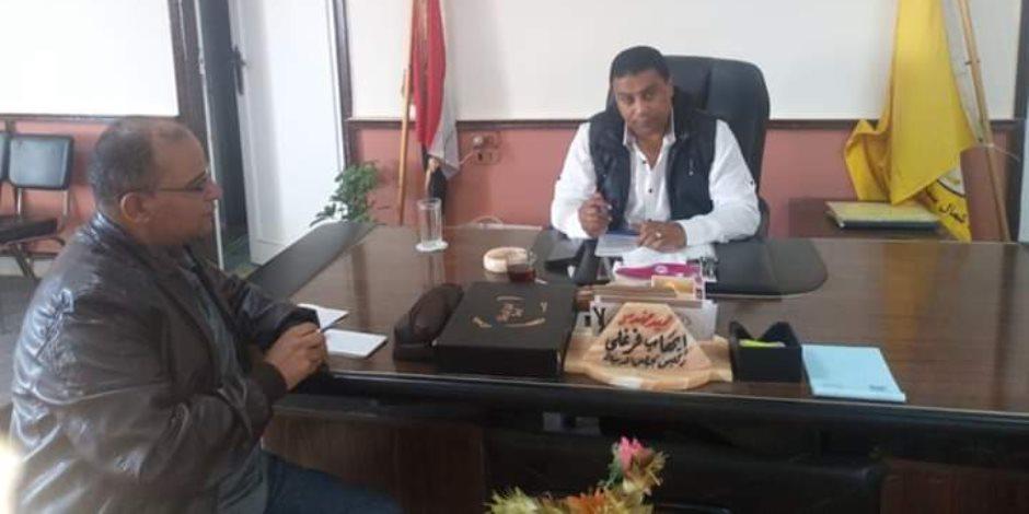 قرارات انضباطية بحق موظفي إحدى قرى «بئر العبد» بعد شكوى الأهالى