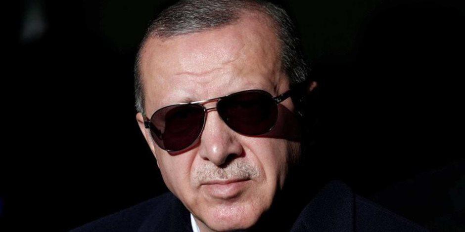 """""""من حفرة لدحديرة ومن فخ لفخ"""".. شعار الاقتصاد التركي بعد الهزائم المتتالية"""