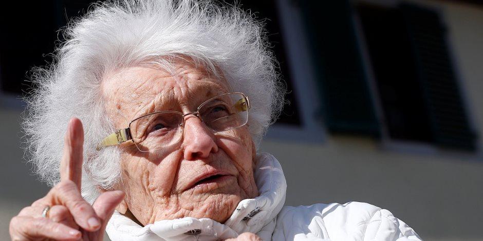 بعد بلوغ المائة.. مسنة ألمانية تترشح لانتخابات المحليات (صور)