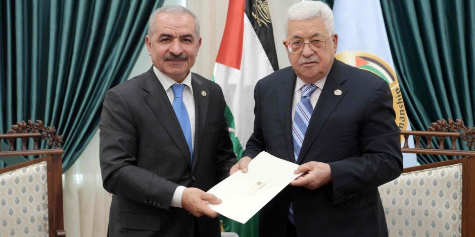 يمين منقوص وخطأ مطبعي.. لماذا تعيد فلسطين القسم الدستوري للحكومة؟