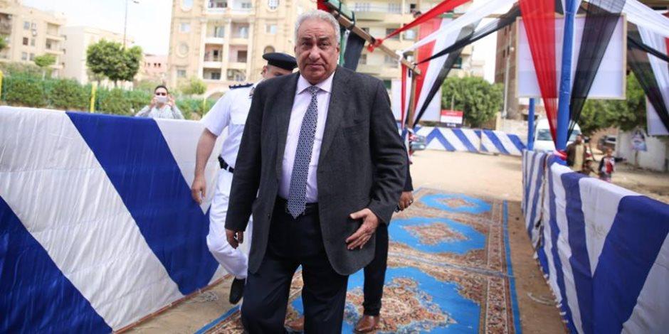 نقيب المحامين يدلي بصوته في الاستفتاء على التعديلات الدستورية (صور)