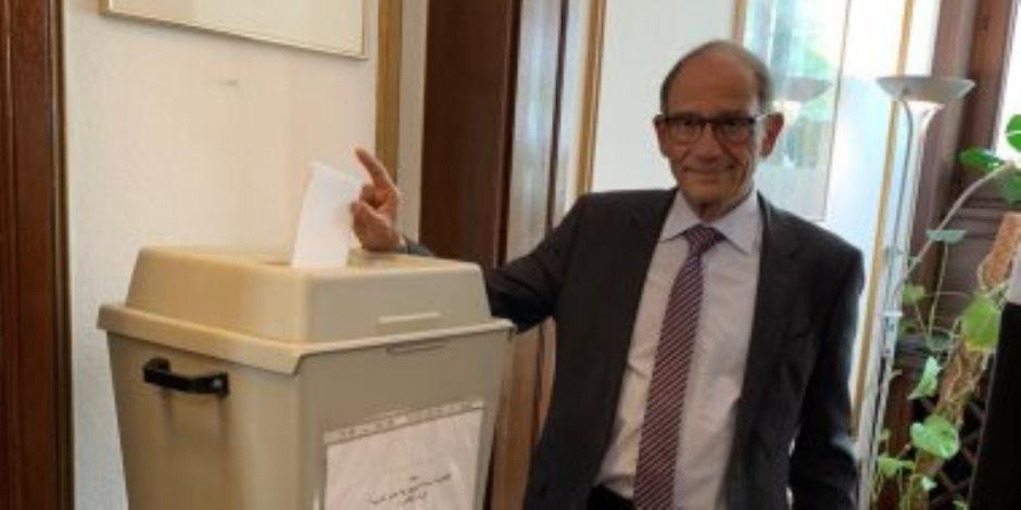 العالم هانى عازر يوجه رسالة للمصريين حول الاستفتاء على الدستور.. اعرف ماذا قال