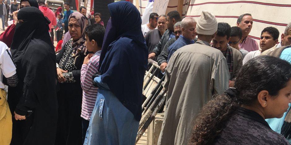 طوابير الاستفتاء تجن جنون الجماعة الإرهابية.. المصريون ينتصرون على تزييف الإخوان