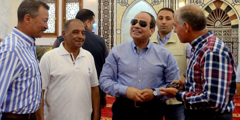 شاهد.. الرئيس السيسس يتفقد منطقة النخيل بنهاية محور المشير (صور)