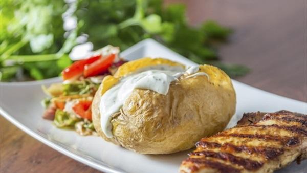 وصفه البطاطس بحشوه الجبنه في الفرن