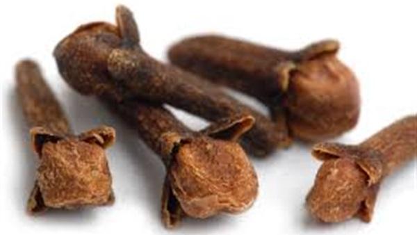 """""""القرنفل"""" يحتوى على فوائد عديدة للبشرة"""