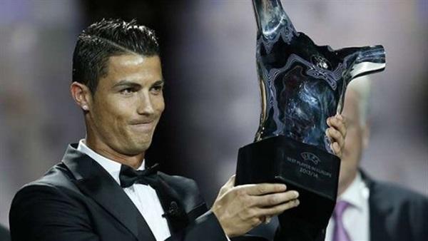 أول تعليق من رونالدو بعد جائزة أفضل لاعب في أوروبا