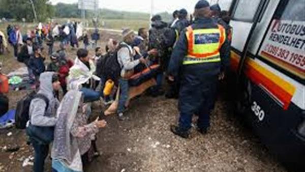 مقتل 35 شخصا إثر تصادم حافلة بصهريج وقود بأفغانستان