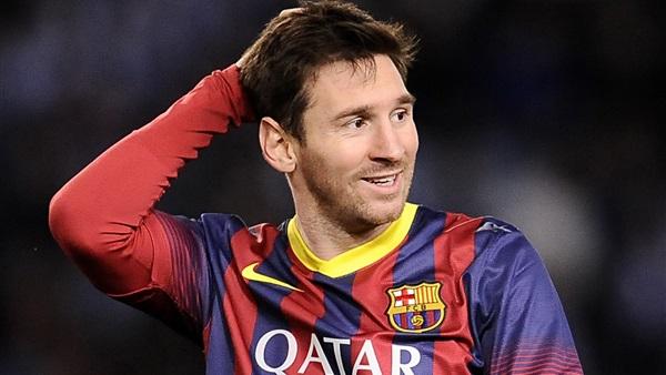 ميسي يكتسح رونالدو في استفتاءات الفوز بجائزة الكرة الذهبية