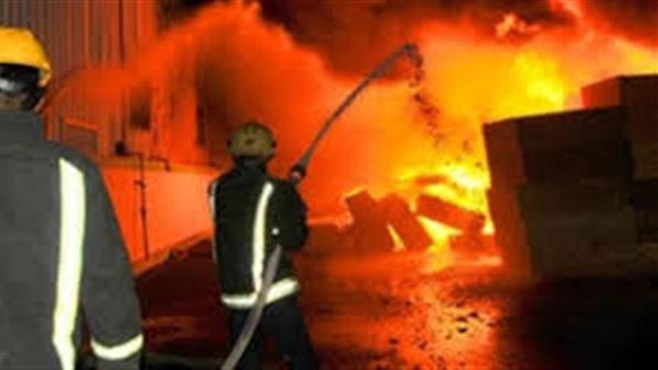 السيطرة علي حريق مصنع في قويسنا