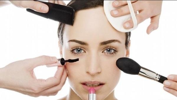 تعرف على كيفية الحفاظ على البشرة باستخدام مستحضرات التجميل