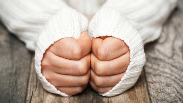 4 طرق للتغلب على برودة الأطراف في الشتاء.. تعرفوا عليها