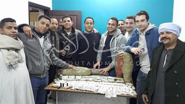 ضبط أكبر تاجر مخدرات في الأقصر (صور)