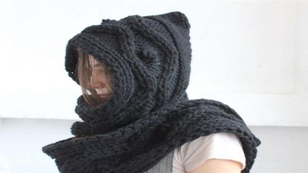 تعرفي على أفضل الطرق لارتداء الـ«سكارف» في الشتاء