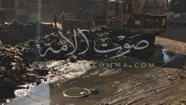 قرية بهجورة تغرق في شبر ماء.. والأهالي تستغيث (صور)