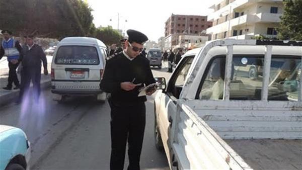 ضبط 7798 مخالفة مرورية بميادين وشوارع القاهرة