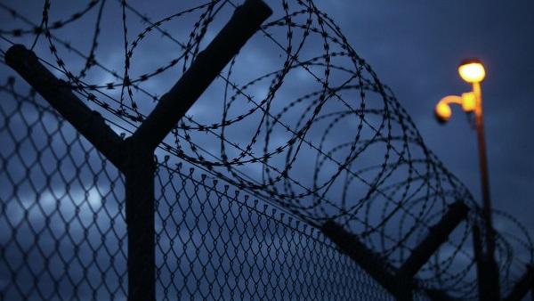 «أبانوب» يسجل أحدث أساليب الهروب من السجن