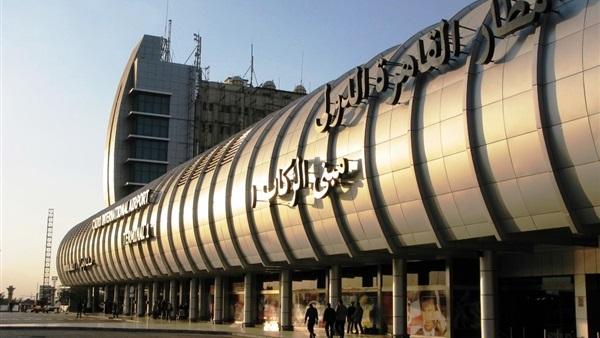إحباط محاولة تهريب ألف «اسطمبة» لطباعة الدولارات بمطار القاهرة