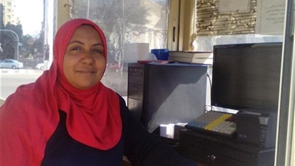 ملكة «جراج التحرير».. أول عاملة كارتة في مصر (صور)