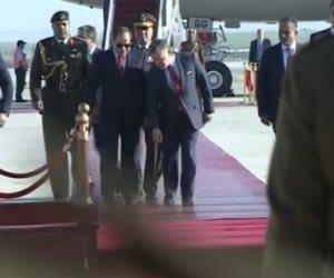 شاهد.. مراسم استقبال «السيسي» في الأردن (فيديو)