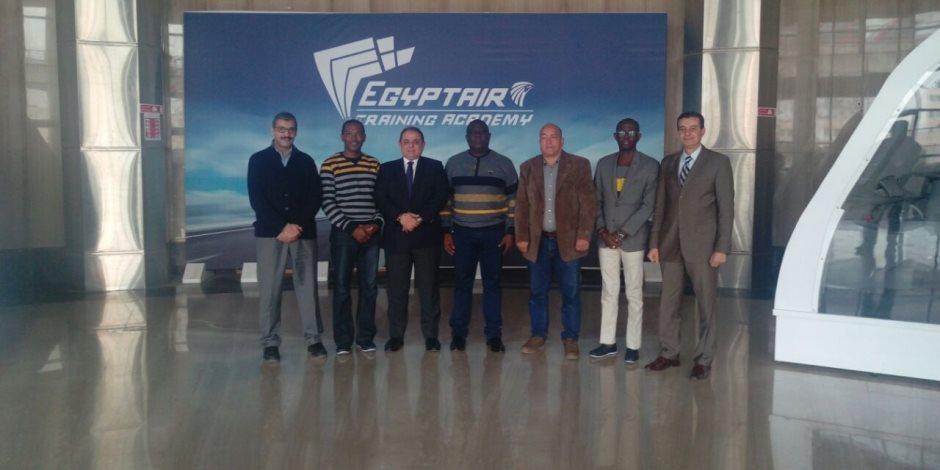 المعهد القومى للجودة يعتمد أكاديمية مصر للطيران للتدريب   صوت الأمة