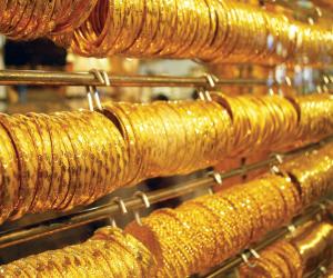 استقرار أسعار  الذهب والمستثمرون يترقبون بيانات الناتج المحلى الأمريكى