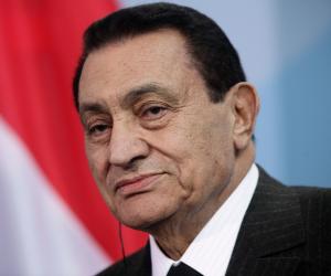 مصادر: 43 تقريراً عن «مبارك» وأبنائه منذ الثورة.. وهيئة التحقيق تستعجل تقارير الخبراء