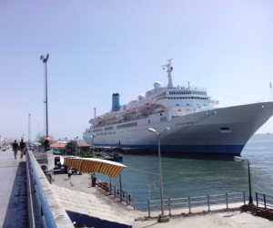 دخول وخروج 28 سفينة لموانئ بورسعيد خلال 24 ساعة