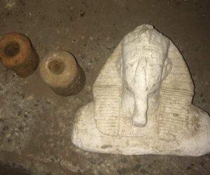 ضبط 19 قطعة أثرية بسردابين حفرهما شخص أسفل منزله بأسيوط 