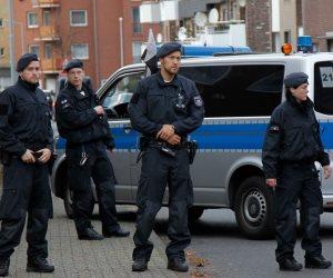 سبب إغلاق الشرطة الألمانية لجزء من شارع بمدينة أولم