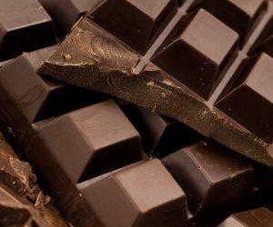 تجنبي كل ما يسبب الصداع النصفي....اللحوم المصنعة و الشوكولاتة
