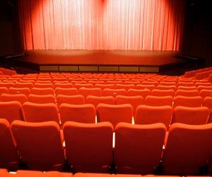 """اليوم.. عرض مسرحية """"الزائر"""" مجددا في مركز المنارة لصالح مبادرة """"حياة كريمة"""""""