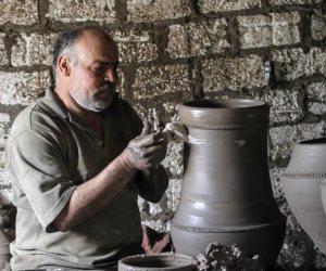 الثقافة تعتزم إقامة ورش صناعة فخار بالتعاون مع السفارة الصينية