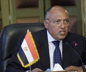 وزير الخارجية يصل الجزائر للمشاركة في اجتماعات «دول الجوار العربي»