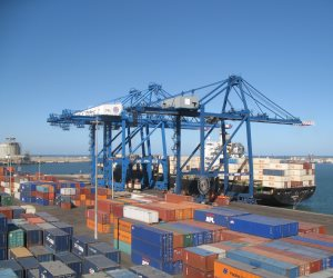 10 آلاف طن يوريا و1000 طن نترات أمونيوم صادر من ميناء دمياط اليوم