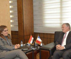 وزيرة التخطيط تبحث مع السفير الفرنسي تعزيز التعاون في مجالات التخطيط والاصلاح الإداري