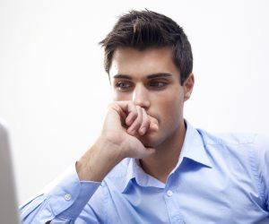 4عادات قادرة على إفقادك التركيز.. أهمهم تأجيل المهام الصعبة والاجتماعات (انفوجراف)
