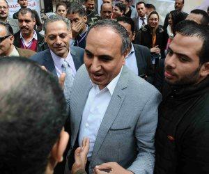 اليوم.. نقيب الصحفيين يلتقي وزير الرياضة لمناقشة عضويات «الجزيرة»