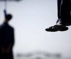 سر انتحار شاب بشنق نفسه ببلكونة منزله  بكفر الشيخ