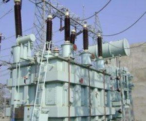 انقطاع التيار الكهربائي عن عدة قرى بكوم امبو بعد انفجار كابل كهربائي بأسوان
