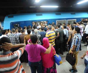 مترو الأنفاق: مشكلة الزحام أمام شبابيك التذاكر سببها «الفكة»