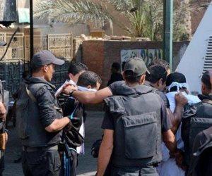 نيابة كفر صقر تأمر بضط 7 متهمين جدد في واقعة إشعال النيران بعدد من المنازل