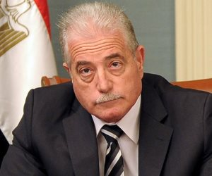 محافظ جنوب سيناء يلتقي المواطنين لحل مشكلاتهم