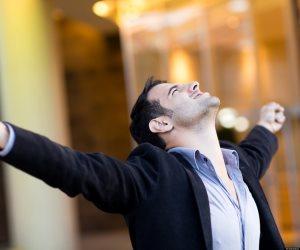 8 صفات يتميز بها الأشخاص الواثقون من أنفسهم.. لا يستسلمون أبدا