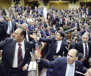 «خناقة» في «البرلمان» بين عضو «القوى العاملة» ونقيب العاملين بالقطاع الخاص بسبب «العلاوة»