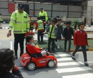 لو عاوز تغرس قيمة لطفل علمه وهو صغير.. محاكاة لقواعد المرور لطلبة ابتدائى