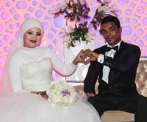 الزميل خالد كامل يهنئ «أبوهيملة» بمناسبة عقد قران زميلته