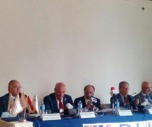 بدء مؤتمر الجامعة البريطانية عن الاستثمار المشترك مع أمريكا اللاتينية بحضور عمرو موسى وفريد خميس